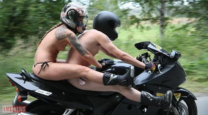 голые байкеры голые на мотоциклах