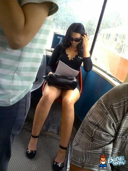 Девушки подловленные в транспорте
