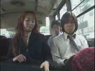 в обычном японском городском транспорте
