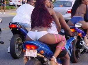 какова причина гибели мотоциклистов на Ямайке?..