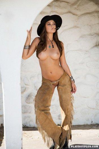 Челси Эрин и ковбойский антураж